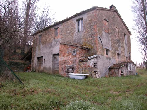 Casale in vendita marche casa da ristrutturare propriet 1079 casa torchio casale da - Ristrutturare casale in pietra ...