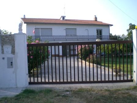 Casale in vendita abruzzo casa ristrutturata propriet for Casa moderna ristrutturata