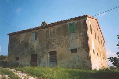 Casale in vendita marche casa da ristrutturare for Ristrutturare casa classica