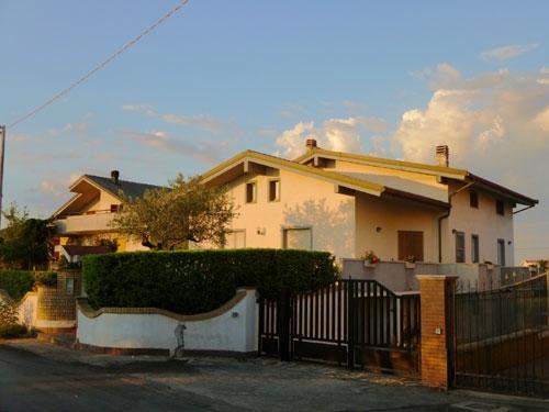 Villa in vendita abruzzo casa ristrutturata propriet for Casa moderna ristrutturata