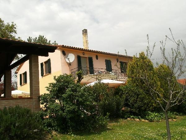 Case Di Campagna Marche : Villa in vendita marche casa ristrutturata proprietà