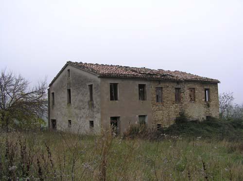Casale in vendita marche casa da ristrutturare propriet 824 casa spasser casale da - Ristrutturare casale in pietra ...